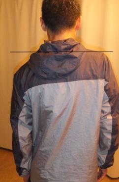 後方から肩の左右差の確認